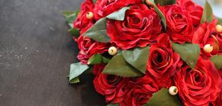 Rood bloemstuk